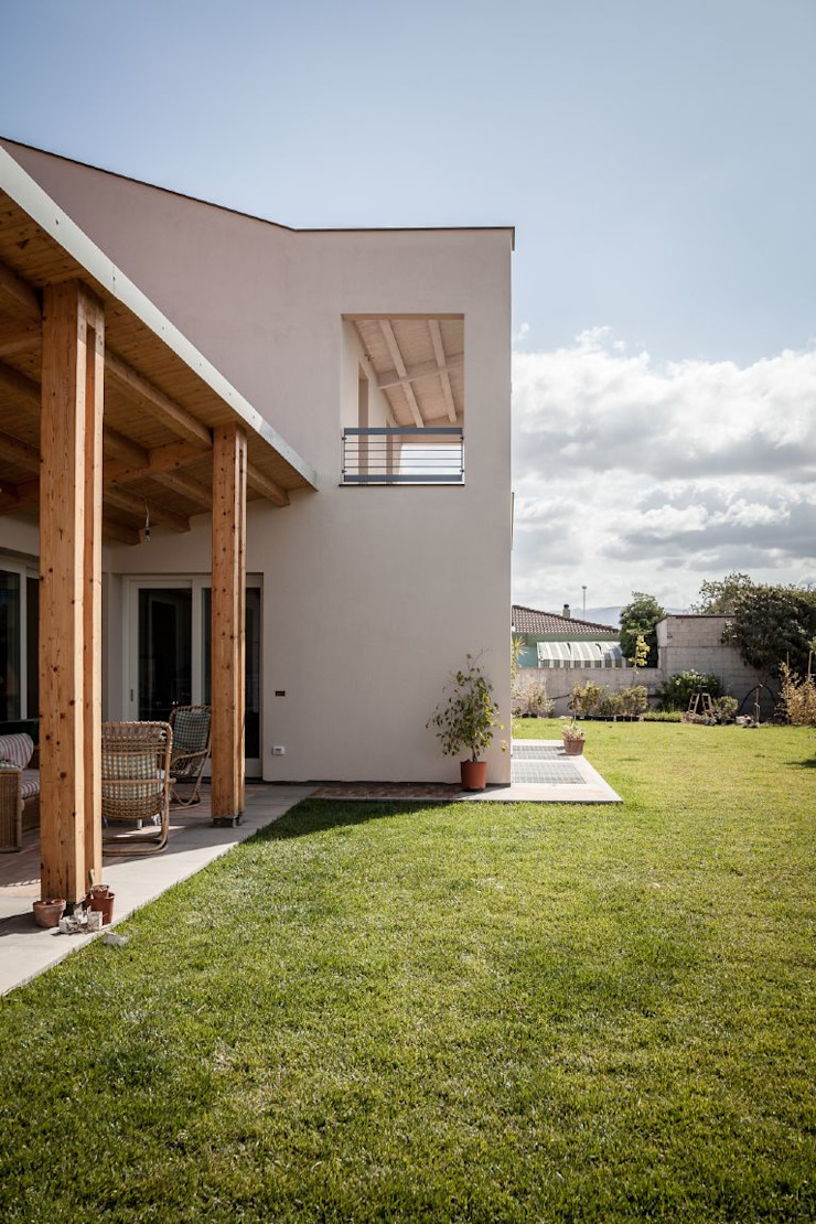 من Studio di Architettura Ortu Pillola e Associati بحر أبيض متوسط خشب Wood effect
