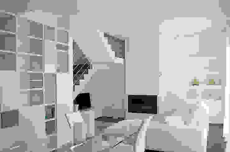 Salas / recibidores de estilo  por Studio di Architettura Ortu Pillola e Associati