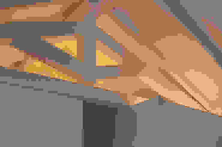 Livings modernos: Ideas, imágenes y decoración de Studio di Architettura Ortu Pillola e Associati Moderno Madera Acabado en madera