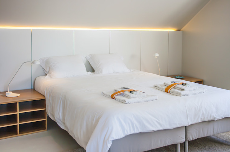 After - Bedroom upstairs por Architecture Tote Ser