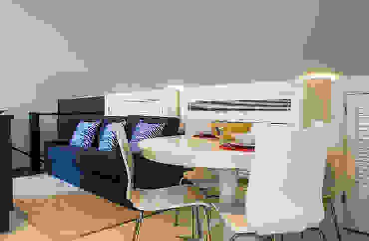 After - Living/Dinning Room por Architecture Tote Ser