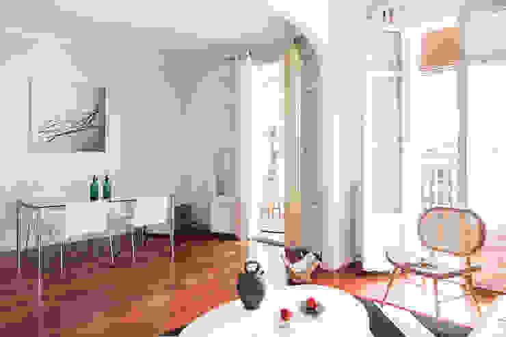 Open Living room โดย Markham Stagers โมเดิร์น