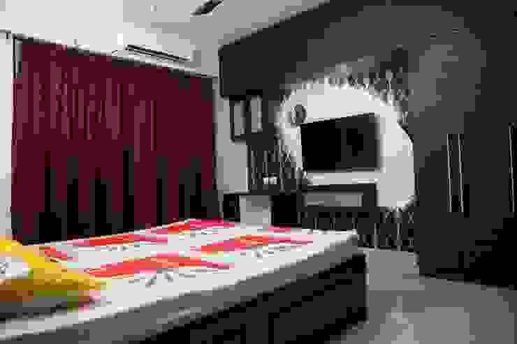 Master bedroom interior design: modern  by Sai Decors,Modern Engineered Wood Transparent