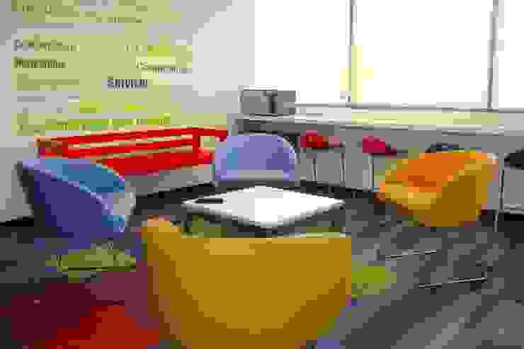 Oficinas AIA (Arquitectos e Ingenieros Asociados) de Heritage Design Group Moderno