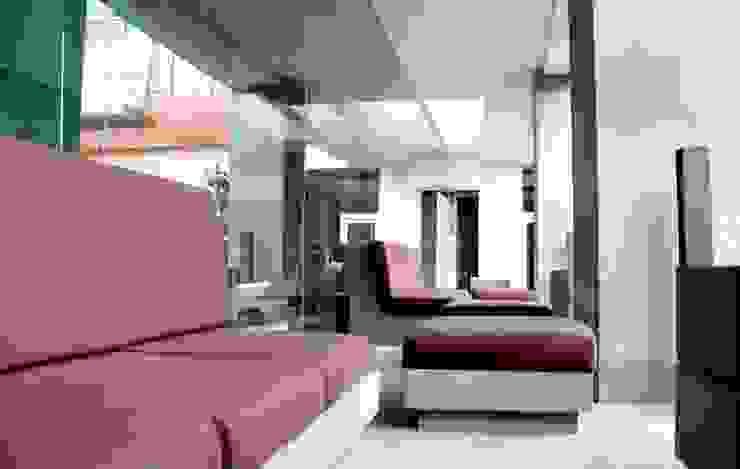 Cosmocrat Balcones y terrazas minimalistas de Interia Muebles Minimalista