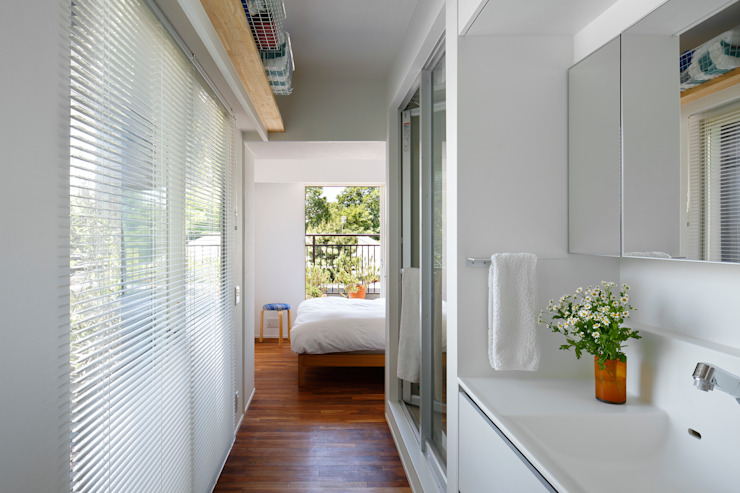 Bathroom by 向山建築設計事務所, Modern