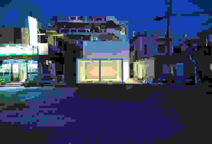 MESR-HOUSE ミニマルな 家 の 門一級建築士事務所 ミニマル 鉄筋コンクリート