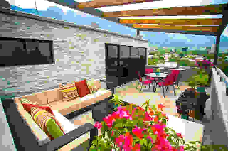 Terraza Balcones y terrazas de estilo moderno de ICAZBALCETA Arquitectura y Diseño Moderno