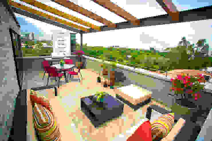 Terraza Balcones y terrazas modernos de ICAZBALCETA Arquitectura y Diseño Moderno