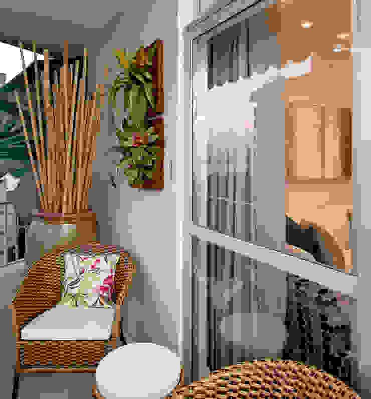 Andréa Spelzon Interiores Modern style balcony, porch & terrace