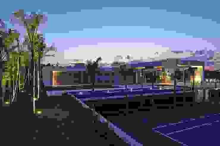 Casa no Condomínio Serra dos Manacás Lanza Arquitetos Casas modernas