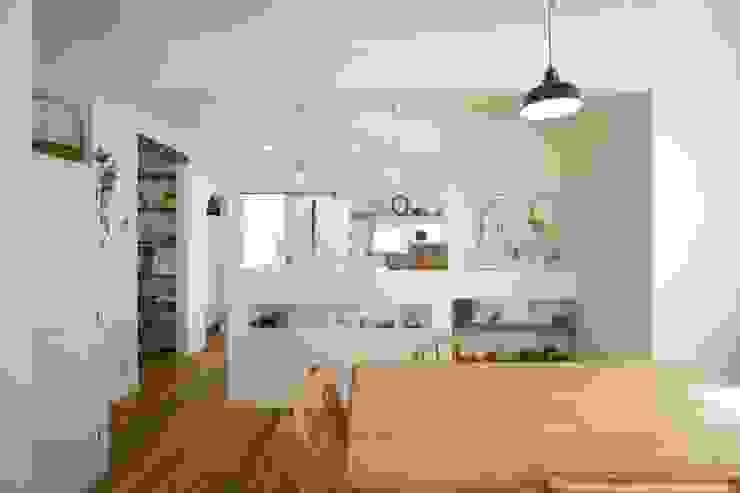 Scandinavian style living room by ジャストの家 Scandinavian