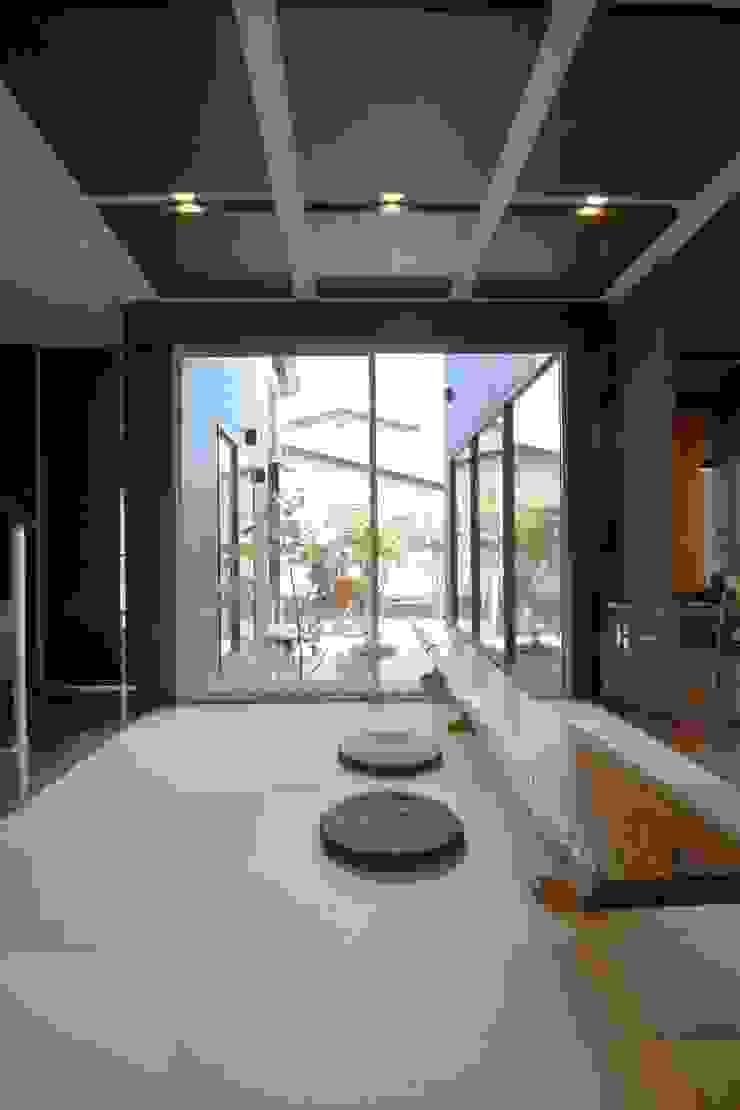 四季の家 松浦一級建築設計事務所 玄関&廊下&階段アクセサリー&デコレーション 木 ブラウン