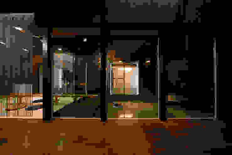 四季の家 松浦一級建築設計事務所 窓&ドア窓 木 ブラウン