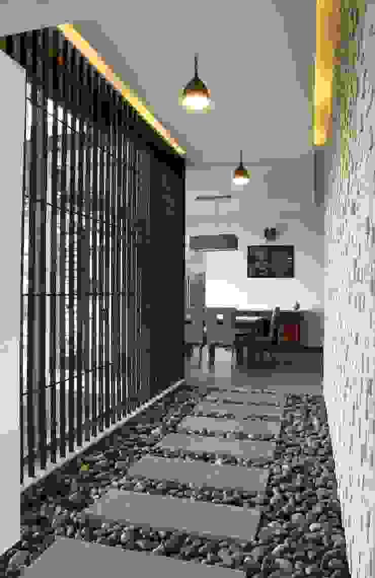 4th axis design studio Коридор