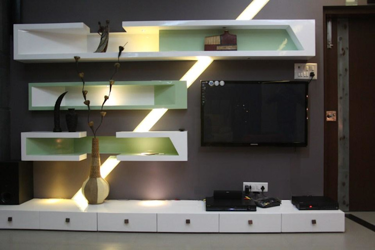 pent house for Mr. Jahagirdar At nanded 4th axis design studio Living roomTV stands & cabinets