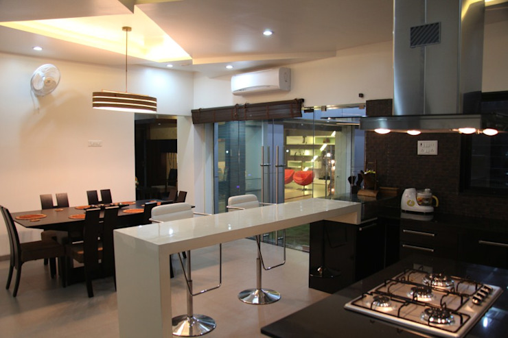 pent house for Mr. Jahagirdar At nanded 4th axis design studio Modern kitchen