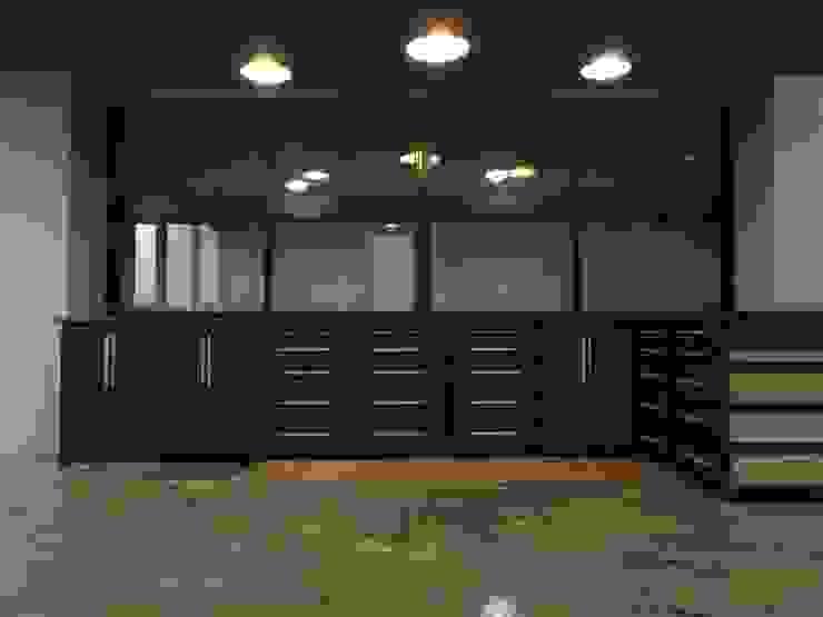 테이블: 머든 제작소의 현대 ,모던 우드 우드 그레인