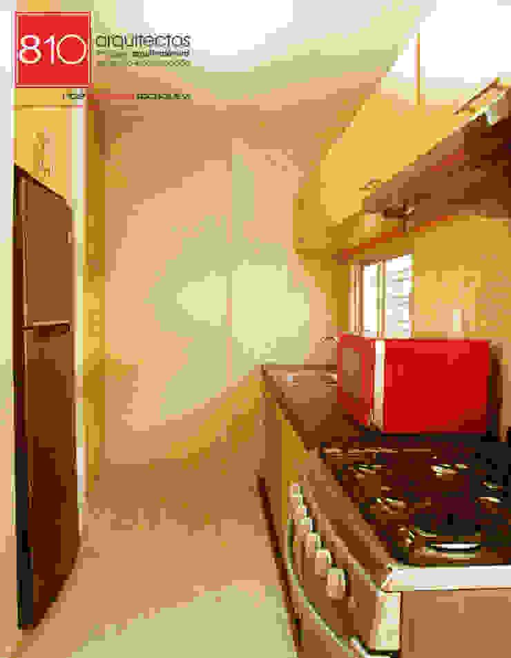 Casa Habitación. Amézquita Córdova Cocinas modernas de 810 Arquitectos Moderno