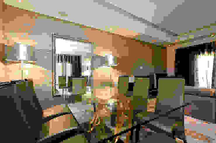 Interior Design Project – Almancil – The Crest por Simple Taste Interiors Clássico