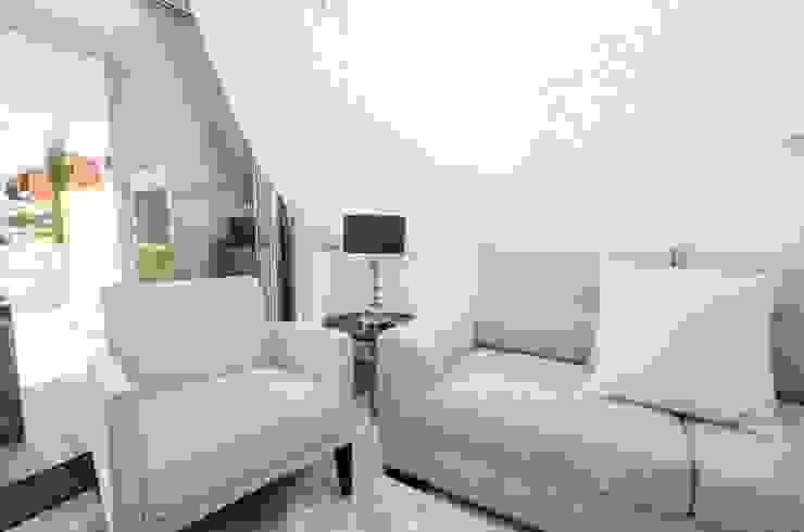Interior Design Project – Apartment Albufeira por Simple Taste Interiors Clássico