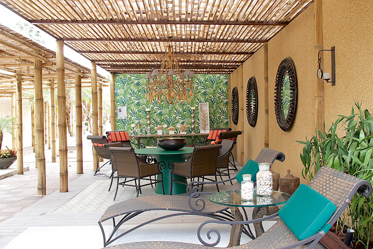 Spazhio Croce Interiores Balkon, Beranda & Teras Tropis