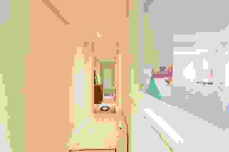 GESTION INTEGRAL DE PROYECTOS DEL NOROESTE S.L. Scandinavian corridor, hallway & stairs
