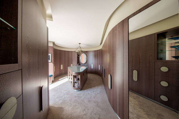 Incurvo Closets modernos por Adrian James Architects Moderno
