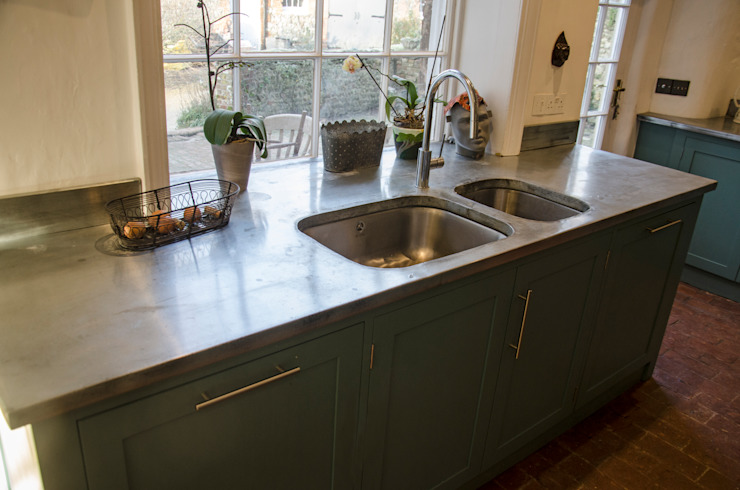 zinc sinc Country style kitchen by Tim Jasper Country