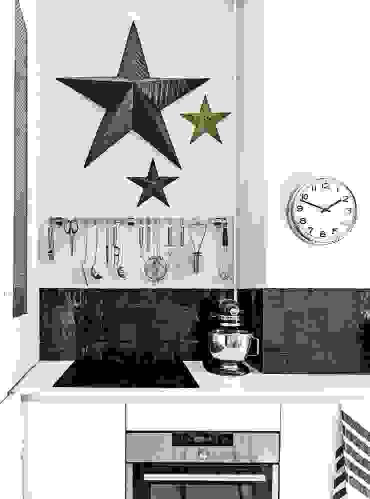 Skandinavische Küchen von Design for Love Skandinavisch
