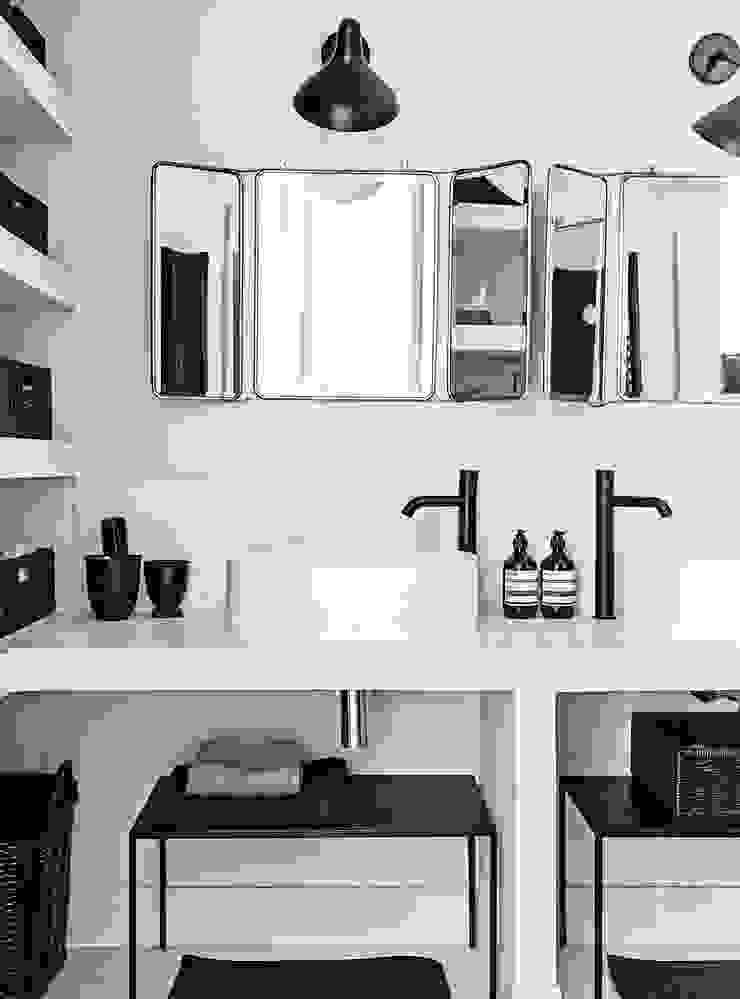 Skandinavische Badezimmer von Design for Love Skandinavisch