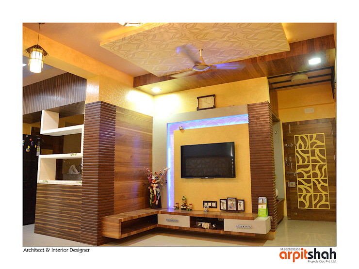 Hirenbhai@Gandhinagar Classic style living room by ARPIT SHAH PROJECTS OPC PVT LTD. Classic MDF