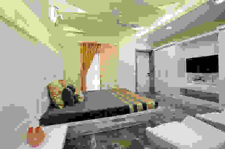 SADHWANI BUNGALOW Modern style bedroom by Square 9 Designs Modern Plywood