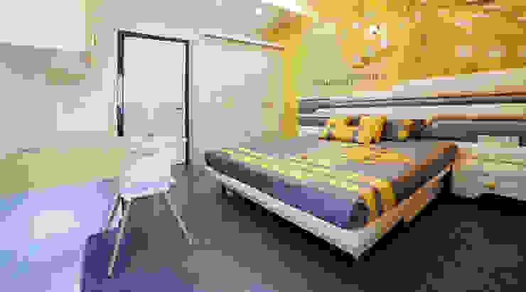 SADHWANI BUNGALOW Modern style bedroom by Square 9 Designs Modern
