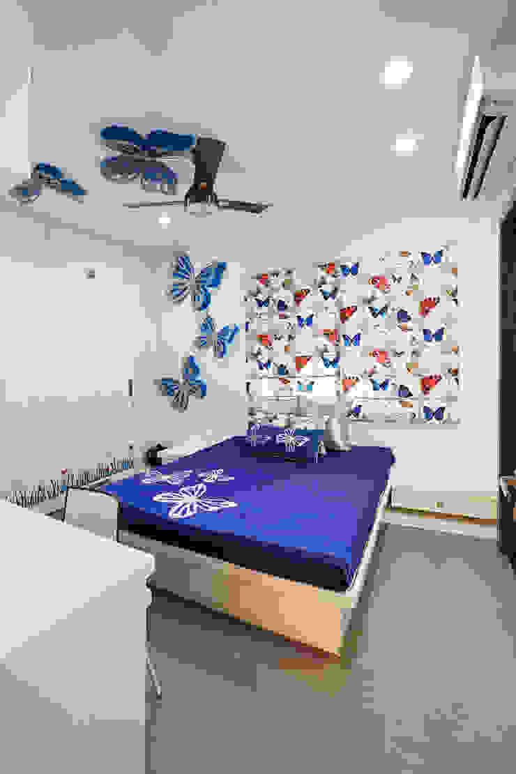 SADHWANI BUNGALOW Modern nursery/kids room by Square 9 Designs Modern