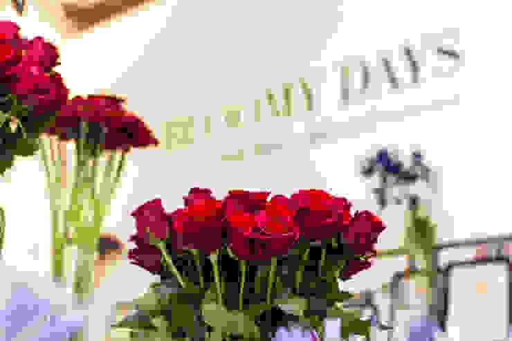 Das BLOOMY DAYS - Büro Bloomy Days GmbH Moderne Arbeitszimmer