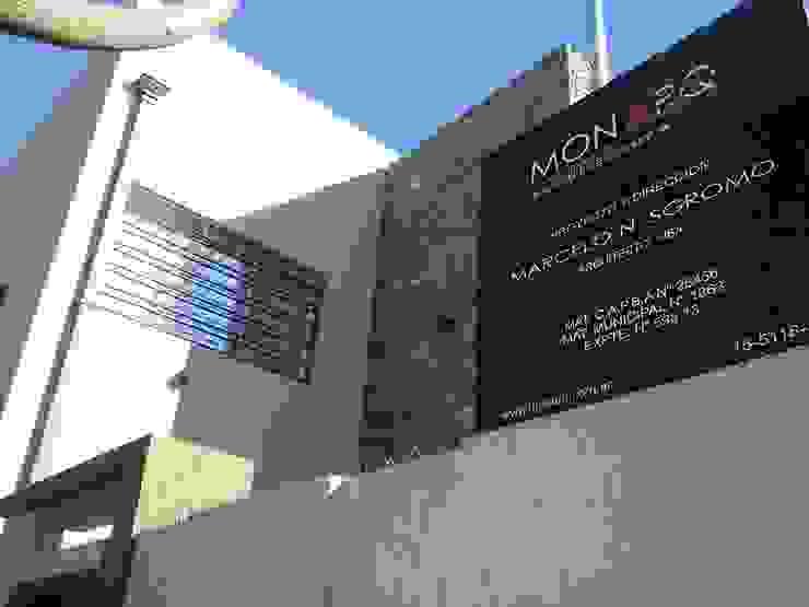 Vivienda estilo Moderna Casas modernas: Ideas, imágenes y decoración de MONARQ ESTUDIO Moderno