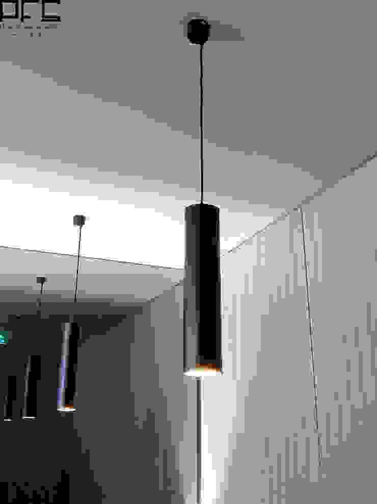 PASTELARIA ONDA DOCE_PÓVOA DE VARZIM_2015 Espaços de restauração minimalistas por PFS-arquitectura Minimalista