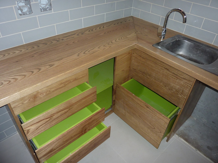 Montreaux—Kitchen 4 GreenCube Design Pty Ltd KitchenCabinets & shelves Wood