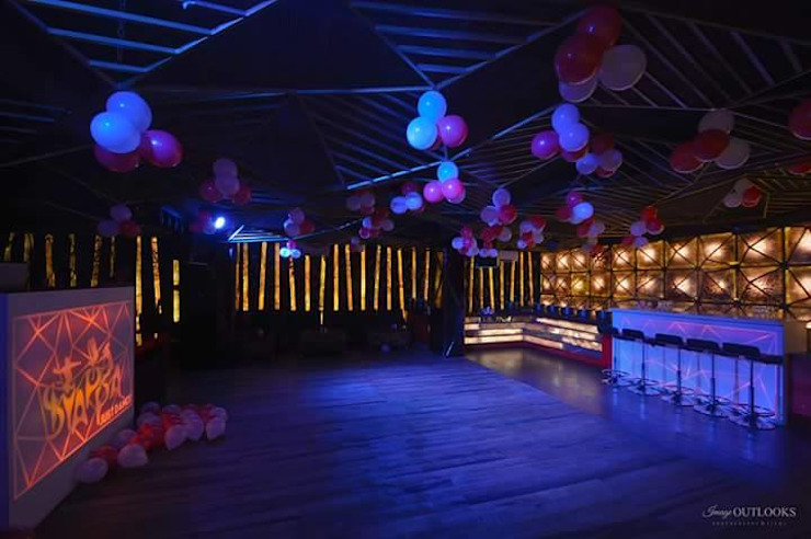 restaurant complex Eclectic style bars & clubs by Vinyaasa Architecture & Design Eclectic