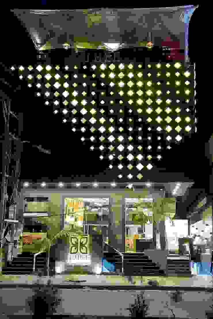 restaurant complex Modern bars & clubs by Vinyaasa Architecture & Design Modern