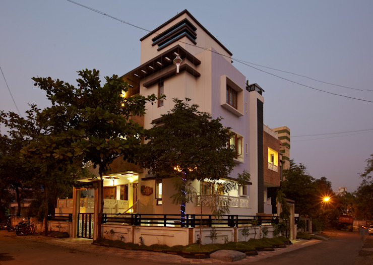Mr Sudhakar Kakde' s Resideence Asian style houses by M B M architects Asian