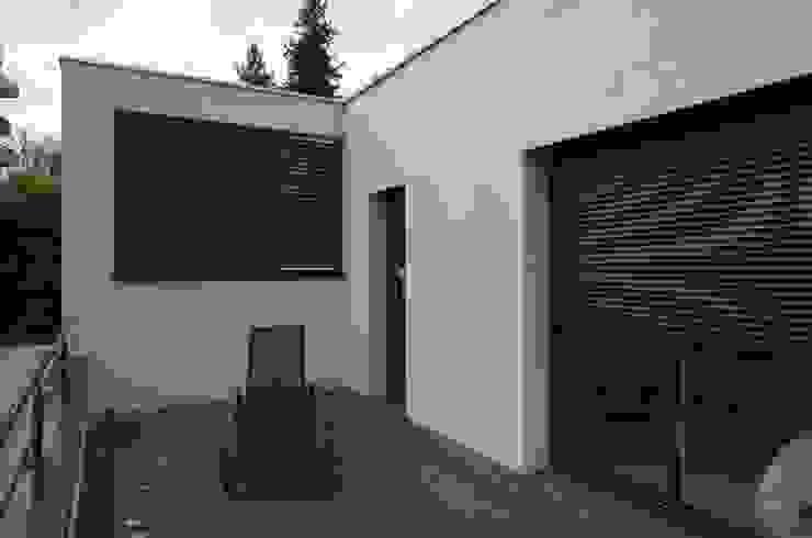 Terrasse Maisons modernes par Pierre Bernard Création Moderne Bois composite
