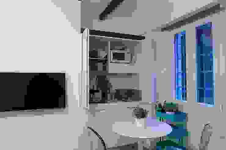 Minicucine a scomparsa con ante cm.125 - aperta di SIZEDESIGN SMART KITCHENS & LIVING Moderno