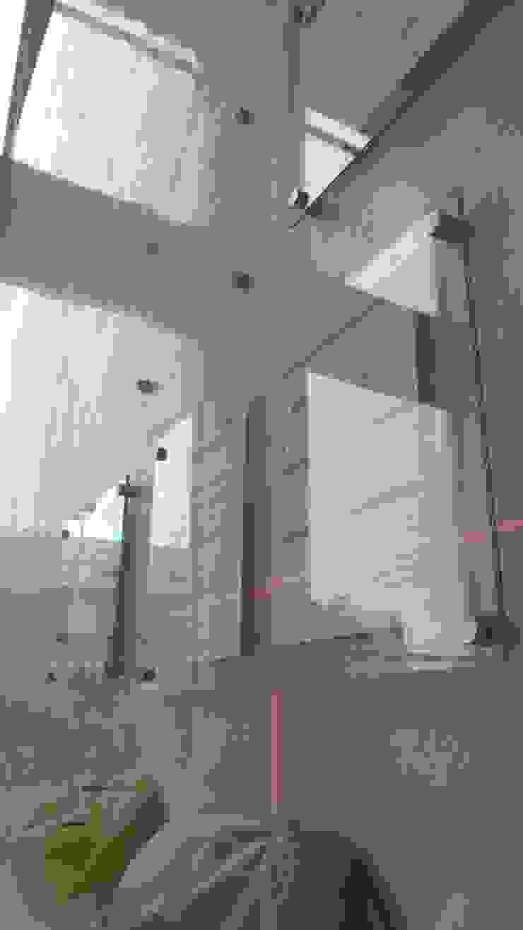 Verificando la alineación de RecreARQ Construcciones Minimalista Vidrio