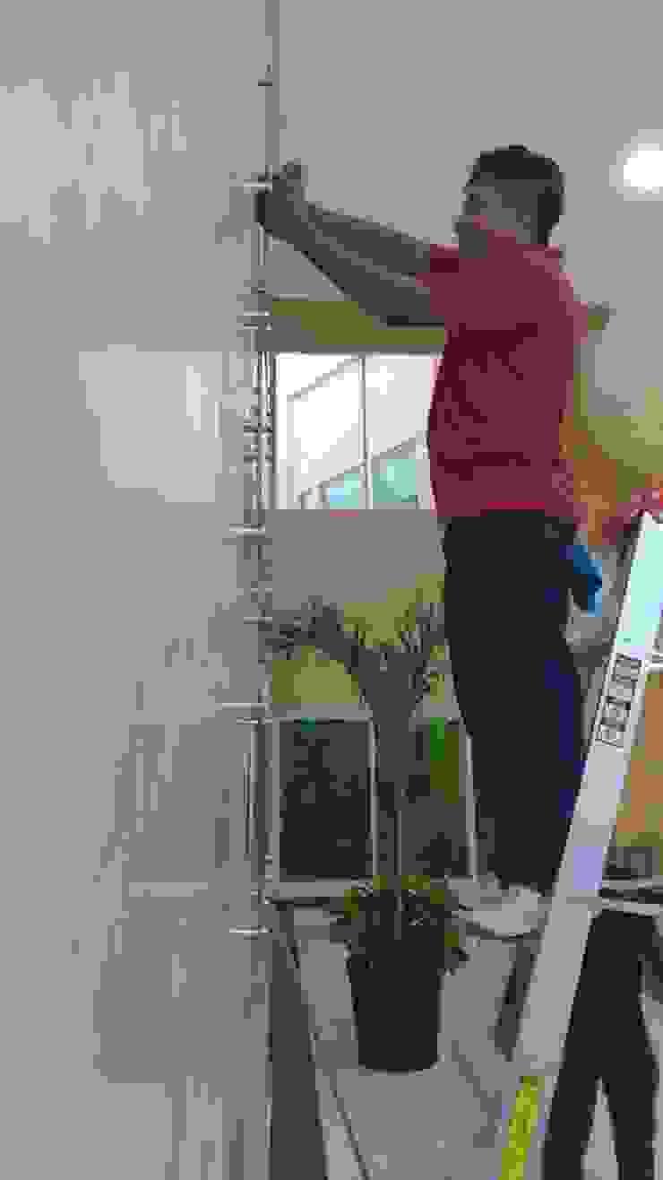 Instalando los reconocimientos de RecreARQ Construcciones Minimalista Vidrio