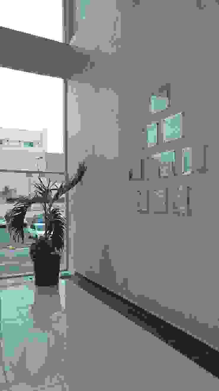 minimalist  by RecreARQ Construcciones, Minimalist Glass