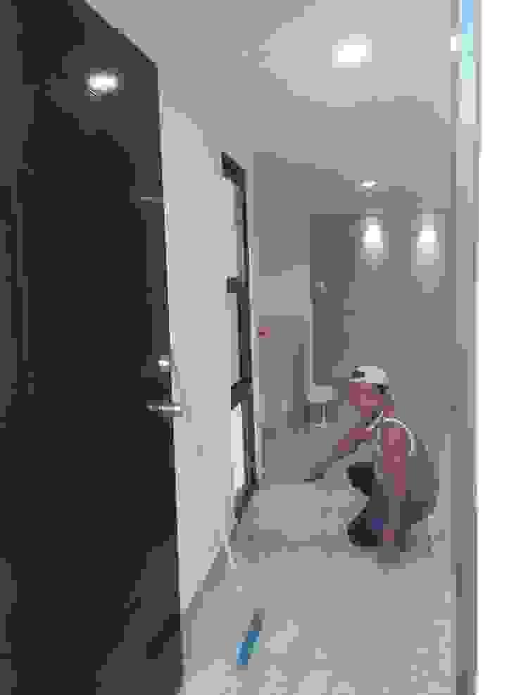 Detalles limpieza final antes de la entrega de la casa de RecreARQ Construcciones