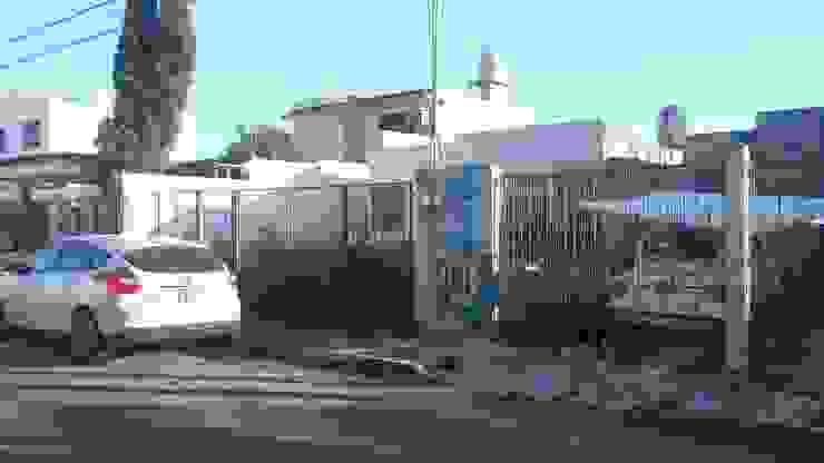 Vista fachada principal antes de la intervención de RecreARQ Construcciones