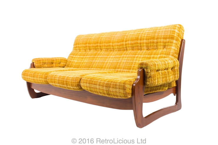 Chairs, Sofa's and Sofabeds Scandinavian style living room by RetroLicious Ltd Scandinavian Solid Wood Multicolored